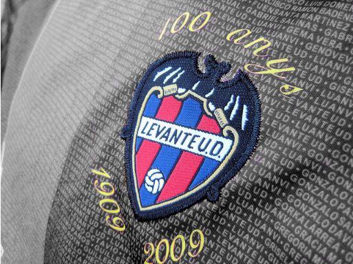 Den Verein im Herzen. Über 100 Jahre Vereingeschichte